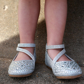 Line Silver Flat by Lucky Top {Silver}