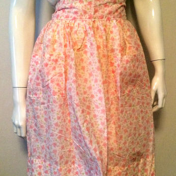 Midcentury Vintage 1950s Era Pink Floral Apron Pink Green White All Over Flower Print Gathered Waist Tie Back 2 Pockets Valentines Day Pink