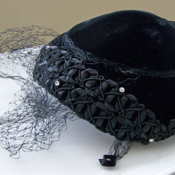 Etsy Vintage, 1940s Fascinator Hat, Vintage Black Velvet Hat, Vintagte Hat, Etsy, Netted Vintage Hat, Black Hat, Woman's Hat, Ladie's Hat