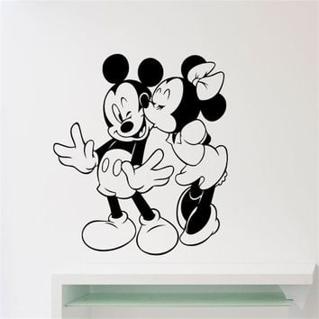 Mickey Mouse Minnie Mouse Kissing Cartoon Vinyl Sticker Home Decor Art Decoration Any Kids Girl Room Sticker Wall Sticker U571