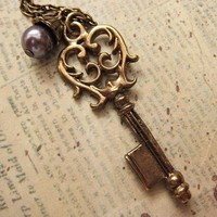 Victorian Skeleton Key Necklace by trinketsforkeeps on Etsy