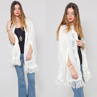 Vintage 70s White KNIT Cape FRINGE Hippie Shawl EYELET Boho Hippie Sweater Knit Poncho