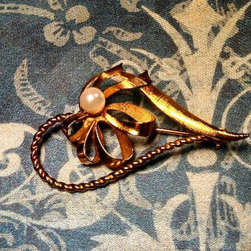 "Ribbon bow heart faux pearl gold tone 2"" long pin brooch with locking clasp."