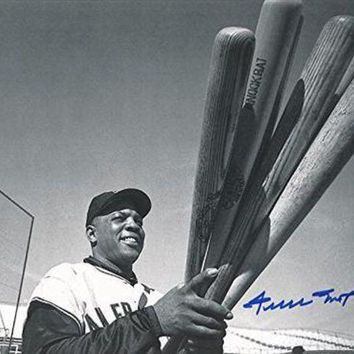 LMFONY Willie Mays Signed Autographed Glossy 8x10 Photo New York Giants (Say Hey Authenticated)