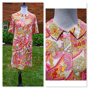 Muu Muu, Mu Mu, Moo Moo, House Dress, Vintage 60s Paisley Floral Print, Bright Colors Pink, Red, Orange, Mod, Hawaii style