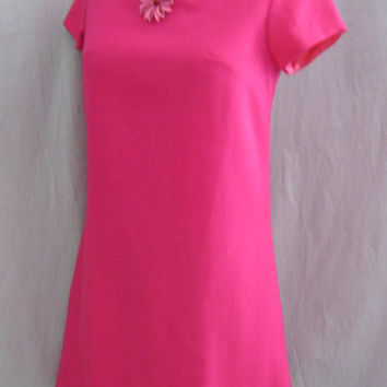 Vintage 60s MOD Minimalist DRESS with Flower PIN Twiggy Style A-Line Hot Pink Shift Wool Bust:36""