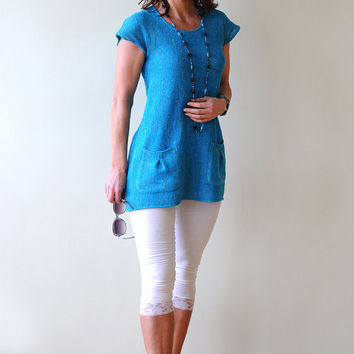 Turquoise Linen Tunic with two Pockets on Front side, a Round Neck and Short Sleeves, knitted from Eco-Friendly Yarn
