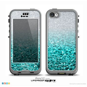 The Aqua Blue & Silver Glimmer Fade Skin for the iPhone 5c nüüd LifeProof Case