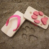 Geeky Gadgetry / Wooden Animal Track Sandals for Kids