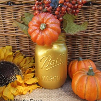 1 Gold Painted Mason Jar, One Pint, Christmas Holiday Home Wedding Bridal Decorations, Gifts Rustic Shabby Chic Baby Shower Vase