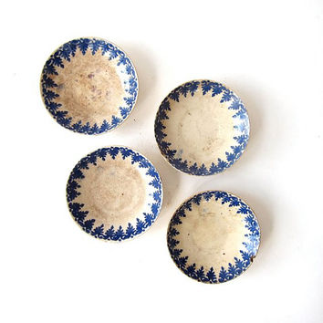 Vintage set of 4 small plates. jewelry dish.