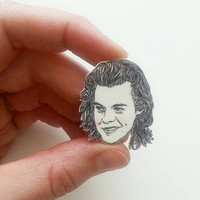 Harry Styles/One Direction/1D/Illustrated Charm Necklace/Pin/Illustrated Charm