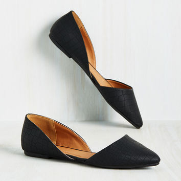 Essential Edge Flat in Textured Black | Mod Retro Vintage Flats | ModCloth.com