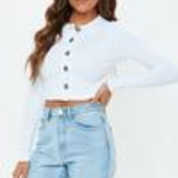 Missguided - White Horn Button Long Sleeve Crop Top