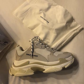 BALENCIAGA Triple S WHITE Sneakers Trainers SIZE 40 UK 7 RARE