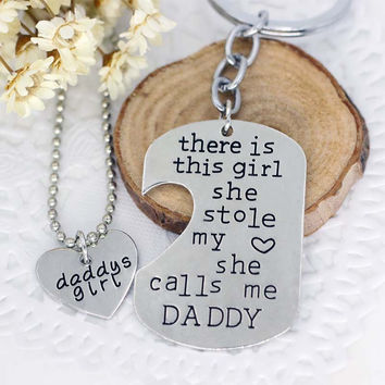 """2016 hot Dir Engraved """"there is this girl she stole my heart she calls me Mummy/daddy..""""8 style necklace + keychain Jewelry Sets"""