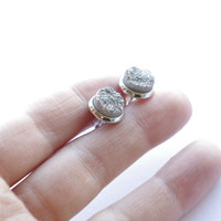 Gray Druzy Quartz small post earrings for everyday wear. Small super sparkly silver stone summer post earrings.