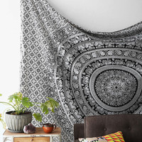 Black & white Indian Mandala Tapestry Boho tapestries Hippie Wall Hanging Hippy Throw Bedspread wall tapestry Bohemian Decorative Wall Art