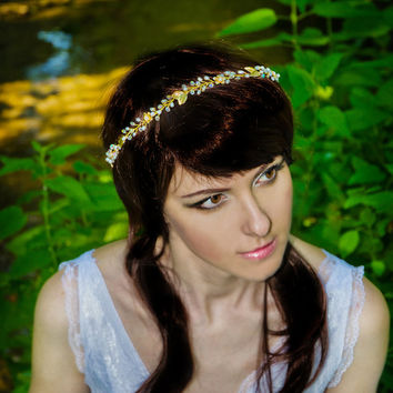 Wedding tiaras, bridal tiaras, pearl tiara, gold tiara, pearl headband, gold headband, wedding bands, hair bands, golden bride