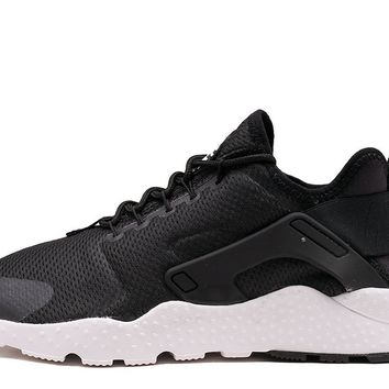 AIR HUARACHE RUN ULTRA (WMNS) - BLACK / WHITE