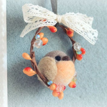 Needle felted robin bird on wreath ornament, handmade robin bird Christmas tree ornament, felt bird Christmas decoration, gift under 20