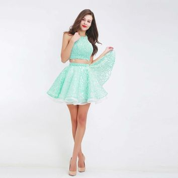 Green Two-Piece Prom Dresses Halter Sleeveless Backless Mini Party Ball Gowns Special Occasion Dresses