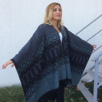 Wool Boho Poncho, Tribal Poncho, Warm Blanket Poncho, Oversize Aztec Shawl, Gray Cape Cover Up, Hippie Ponchos, Winter Tassel Cape