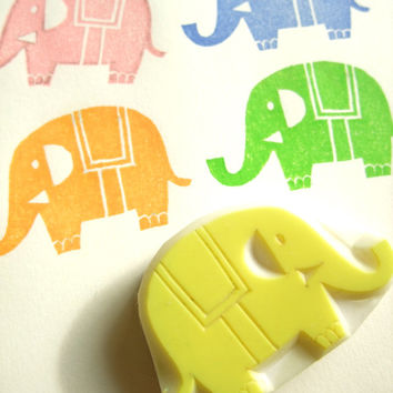 ELEPHANT hand carved rubber stamp - handmade rubber stamp - animal in the zoo
