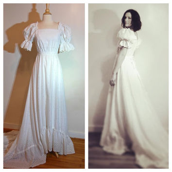 Eyelet Wedding Dress Boho Prairie Long Train Princess Sleeves 1980s Bridal Gown size 4