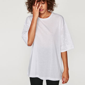 OVERSIZED EMBROIDERED T-SHIRT