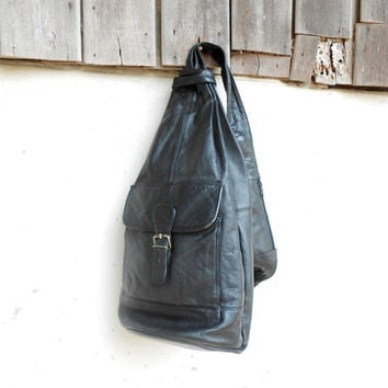 Vintage Black Sling Pack / Crossbody Pack / Medium