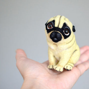 Needle felted pug. Little felt dog. Sweet animal. Funny toy.