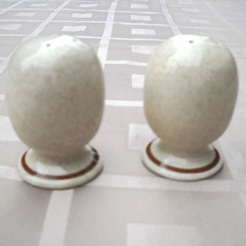 Mikasa Salt and Pepper Shakers - Mikasa Stylemanor FD-800 Salt and Pepper Shakers