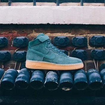 "VLX0E4 Nike Air Force 1 High '07 LV8 Suede ""Vintage Green Gum�AA1118-300"