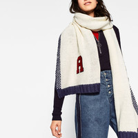 COLLEGE-STYLE SCARFDETAILS