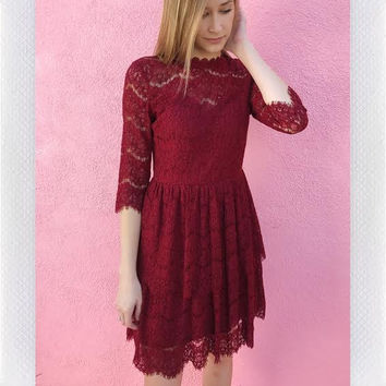 ORNAMENTS LACE DRESS- RED