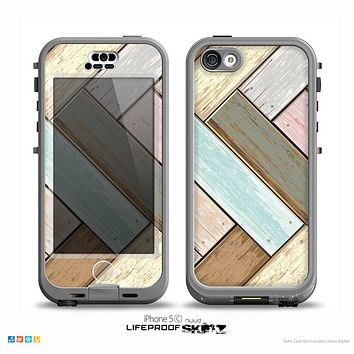 The Zigzag Vintage Wood Planks Skin for the iPhone 5c nüüd LifeProof Case