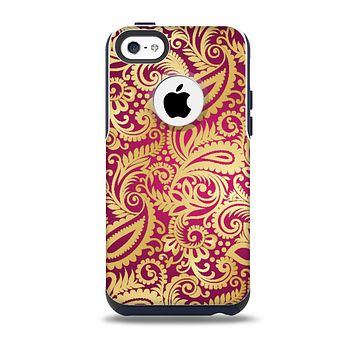 The Gold and Red Paisley Pattern Skin for the iPhone 5c OtterBox Commuter Case