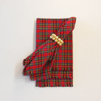 Cloth Napkins, Classic Red Tartan Plaid, Table Linens, Holiday Entertaining, Hostess Gift, Set of Four 17""