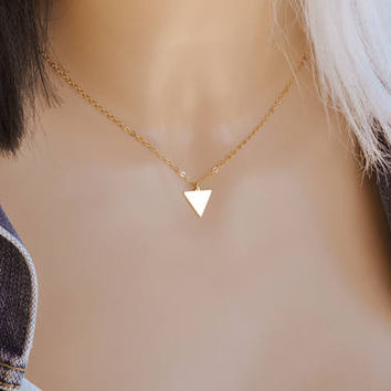 Tiny Gold Triangle Necklace / Geometric Necklace / Delicate Necklace / Little Gold Triangle / Geometric Jewelry / Simple Necklace