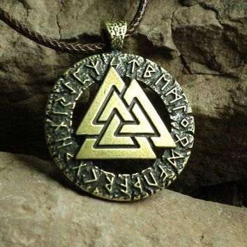 ac spbest 1pcs Slavic Norway Valknut pagan amulet pendant Men necklace Scandinavian Viking jewelry Odin 's Symbol of Norse Viking Warrior