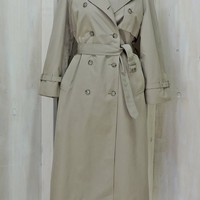 Women's Trench coat / M size 7 / 10 / vintage 70s London Fog /  khaki duster raincoat / double-breasted / removable liner