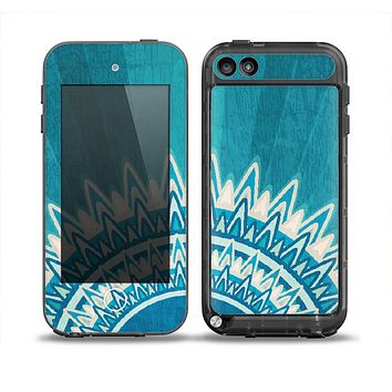 The Blue Spiked Orb Pattern V3 Skin for the iPod Touch 5th Generation frē LifeProof Case