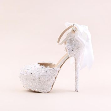 White lace high-heeled shoes waterproof Taiwan round flower bride wedding shoes a wristband AB drill bow sandals