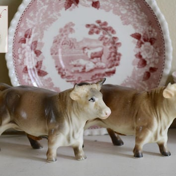Vintage Country French Victoria Figural Bull / Cow Figurines Hand Painted Salt & Pepper Shaker Set