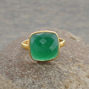 Green Onyx Ring - Bezel Ring - Gemstone Ring - Sterling Silver Ring - Birthstone Ring, 10mm Cushion Cut - #1108