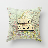 fly away Throw Pillow by Sylvia Cook Photography