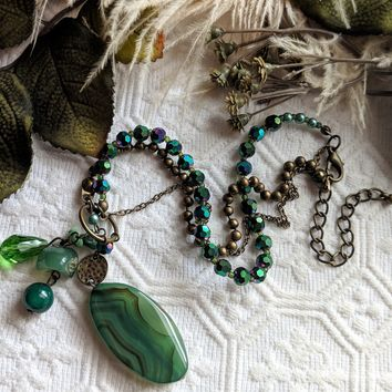 Unique Artisan Crafted Green Agate Serpentine Jade Crystal Brass Adjustable Necklace