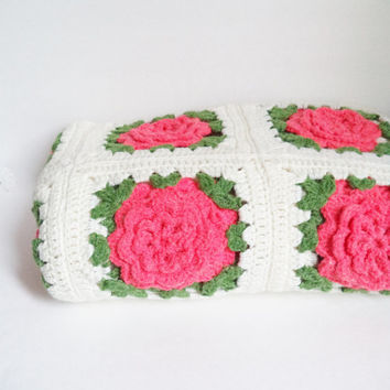 Vintage Granny Square Crocheted Afghan Blanket Throw Home Decor Bedding Hot Pink Roses Sahhby Chic Cottage
