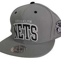 Mitchell & Ness Men's NBA Brooklyn Nets Reflective Arch Snapback Hat